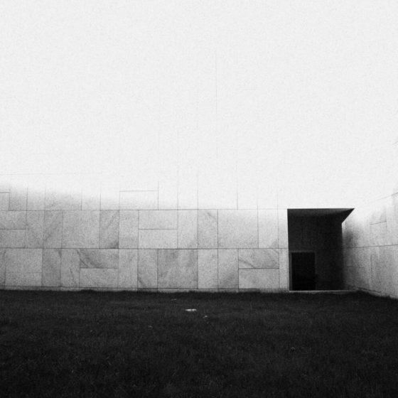 77 - Bia muro